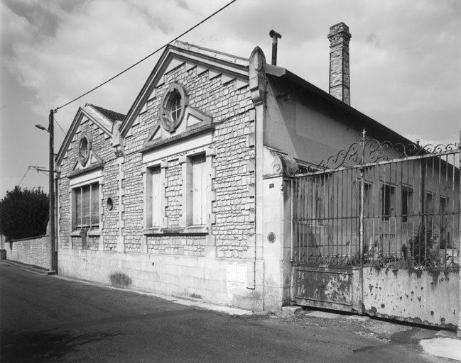 Famile Nau distillerie cachee